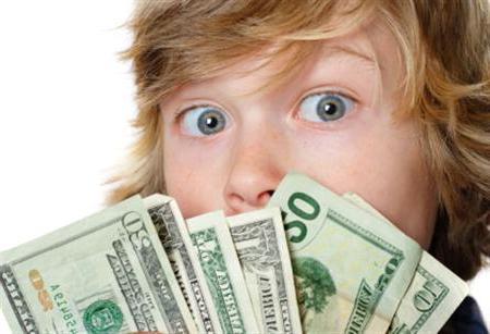 Как научить ребенка правильному отношению к финансам