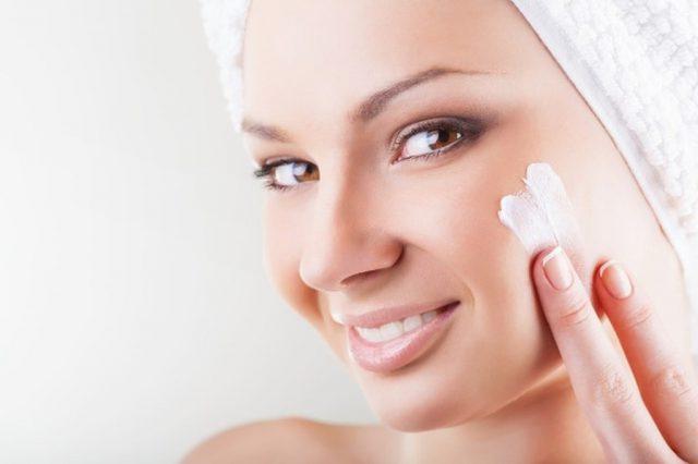 Увлажняющий крем на лицо