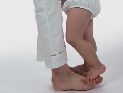 болят ножки у ребенка