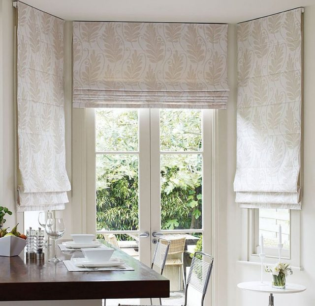 Римские и рулонные шторы на кухню