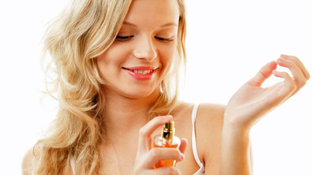 Как усилить стойкость парфюма или духов в зимнее время