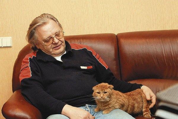 Антонов с кошкой