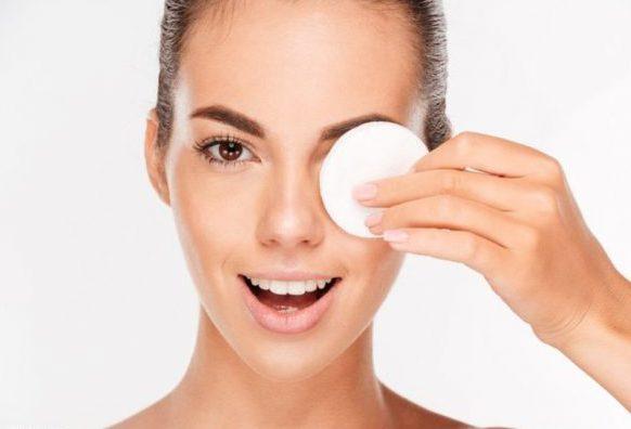 Уход за кожей век в домашних условиях - экспертное мнение косметолога