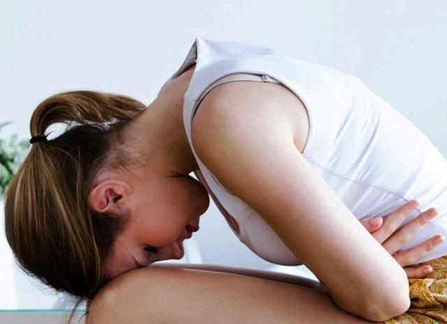 Болит низ живота у женщины - причины, признаки серьезных заболеваний