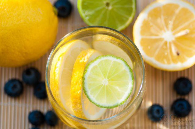 Горячая вода с лимоном1