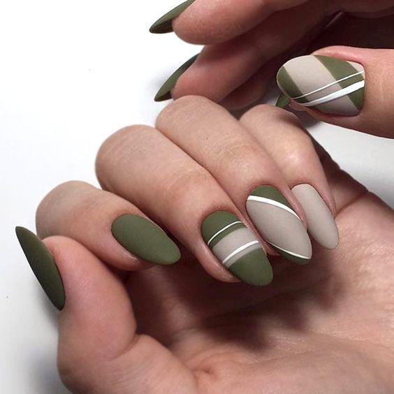 зелено-серый маникюр
