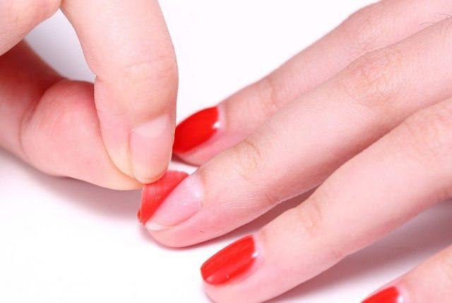 Лак отслаиваться от ногтей