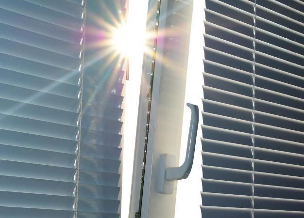 Как почистить и помыть жалюзи – вертикальные и горизонтальные?