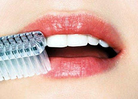 Советы по лечению и профилактике обветренных и потрескавшихся губ