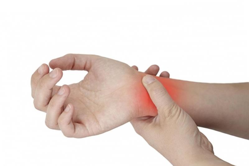 Причина болей в запястье