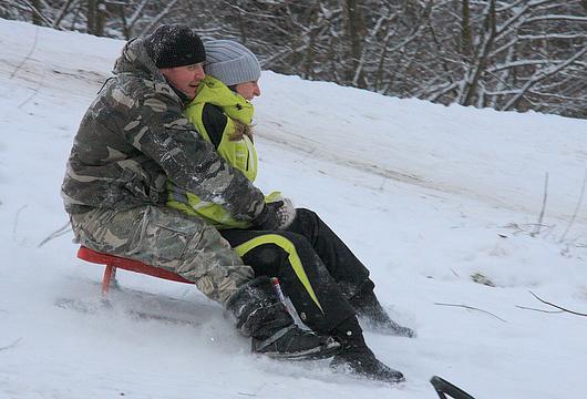 Забавные зимние игры на природе: окунемся в детство и беззаботность!