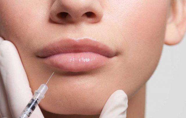 Увлажнение губ гиалуроновой кислотой