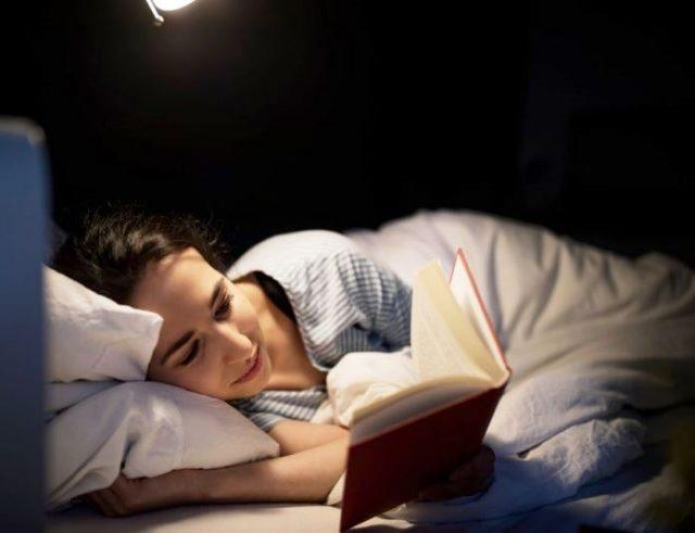 Книги, которые лучше читать перед сном - ТОП-10