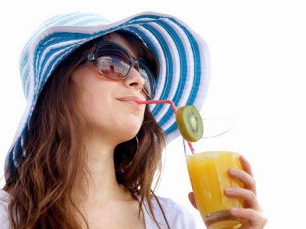 15 летних напитков, быстро утоляющих жажду - а вы что пьете в жару?