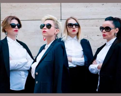 На фото: новый состав группы «Стрелки» (с 2015 по 2017 год): Светлана Бобкина, Екатерина Кравцова, Мария Корнеева и Свломе Росивер